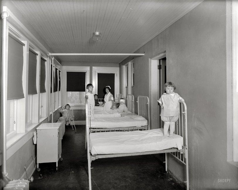Doll Hospital: 1928