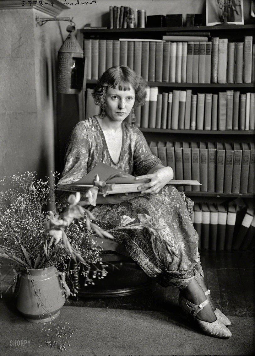 Page Turner: 1922