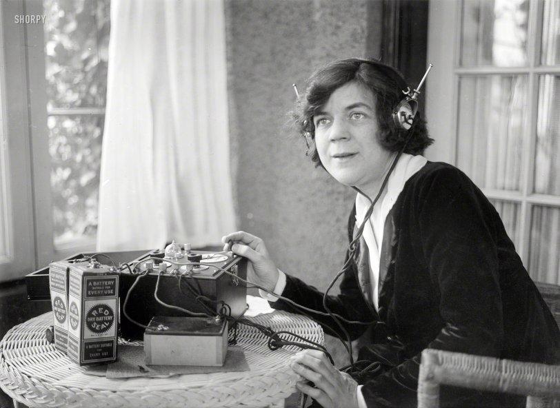 Radio Daze: 1921