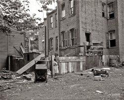 Alley Dwelling: 1935