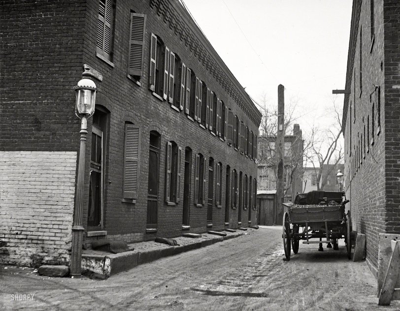 DeSales Alley: 1923