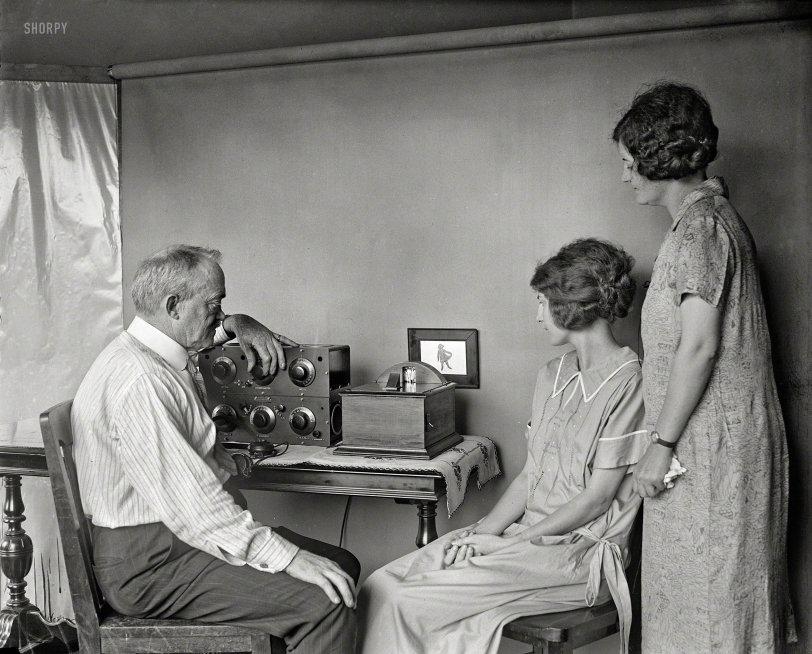 Radio-Vision: 1925