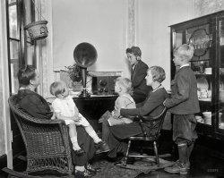 Home Entertainment: 1925