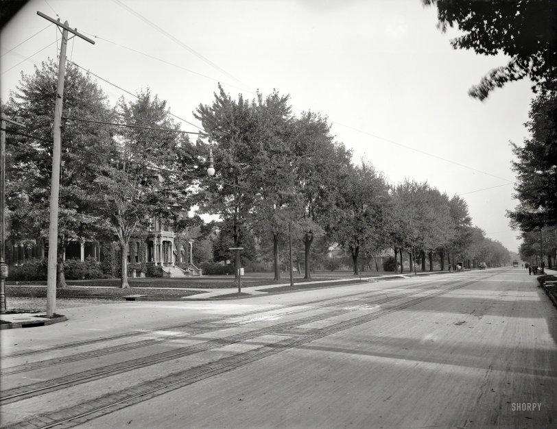Traffic Ahead: 1901