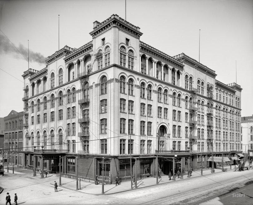 Hotel Cadillac: 1906