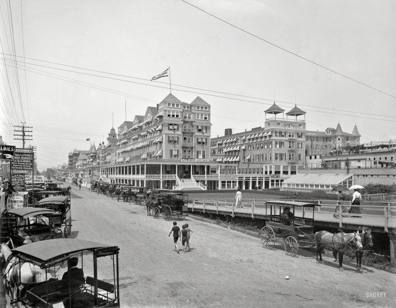 12-Hour Photo: 1901