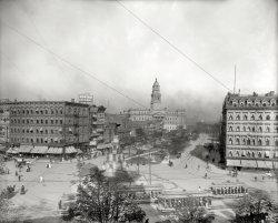 Cadillac Square: 1902