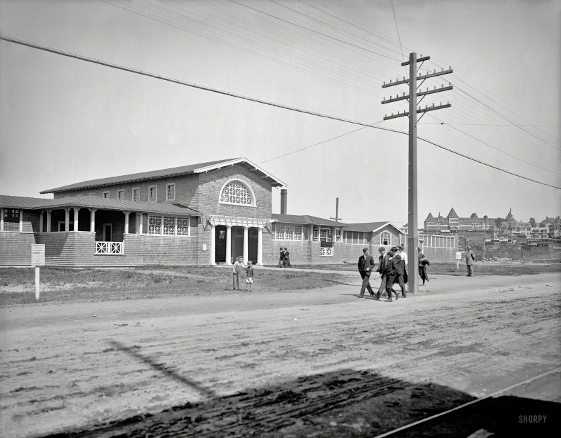Nantasket Bath House: 1905