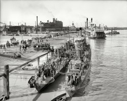 Visiting the Torpedo Boats: 1906