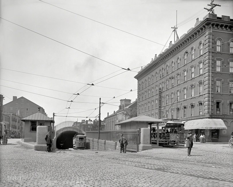 Maverick Square: 1906