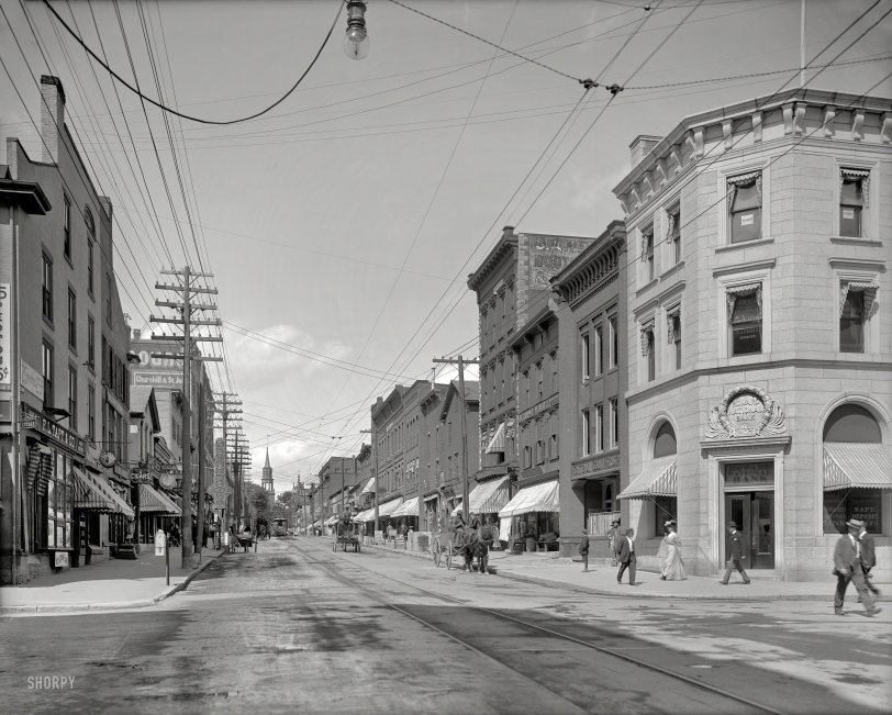 Streetlight in Vermont: 1907