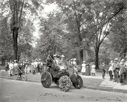 Flower Car: 1901