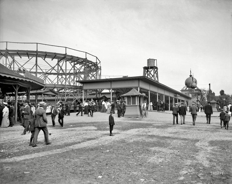 Euclid Beach: 1910