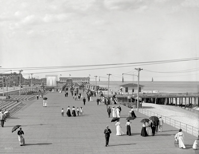 Boardwalk Strollers: 1905