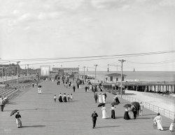 Boardwalk Strollers: 1905