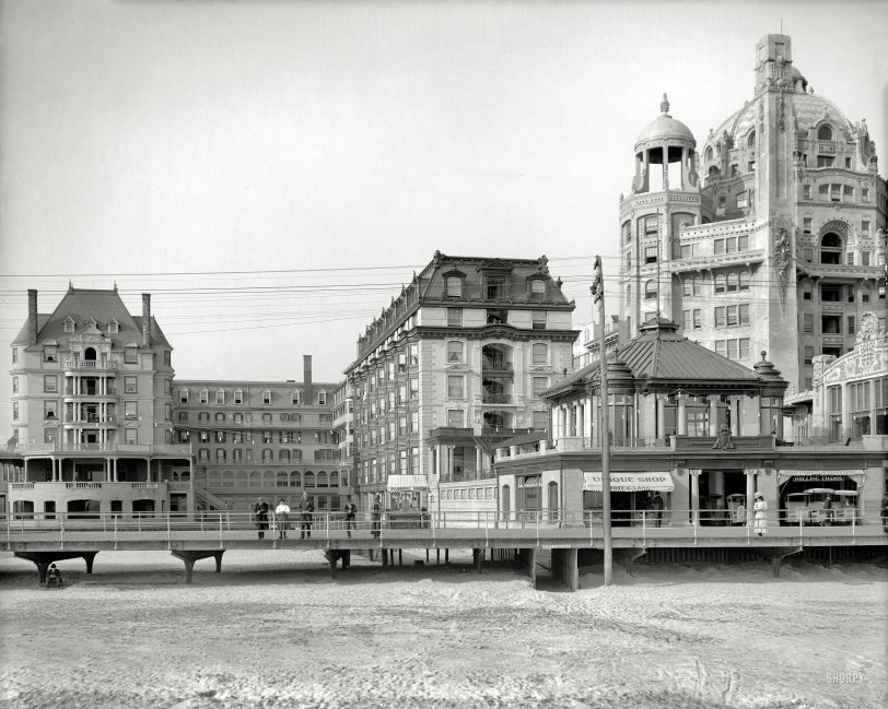 The Dennis: 1908