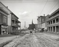 Bustling Lakeport: 1907