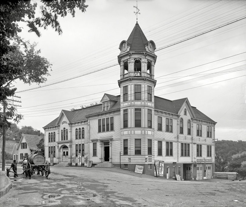 Town Building: 1907