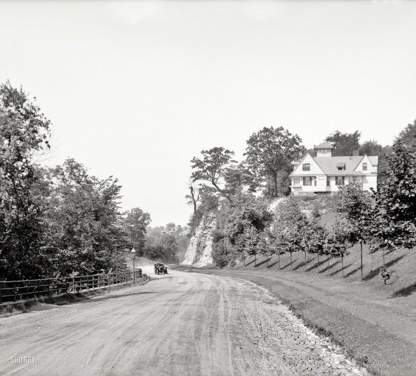 Ambler Rambler: 1907