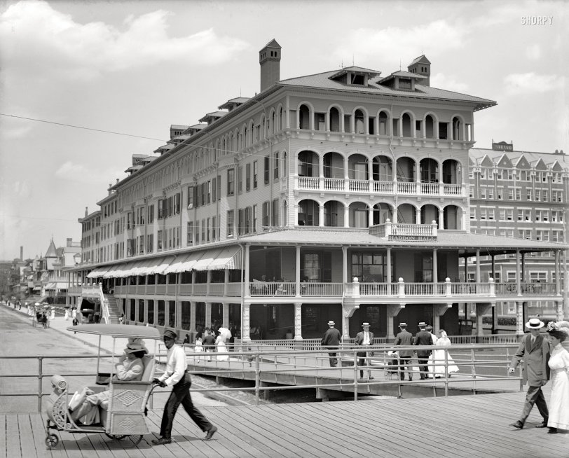 A Ride on the Boardwalk: 1907