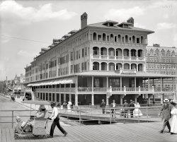 A Ride on the Boardwalk: 1907