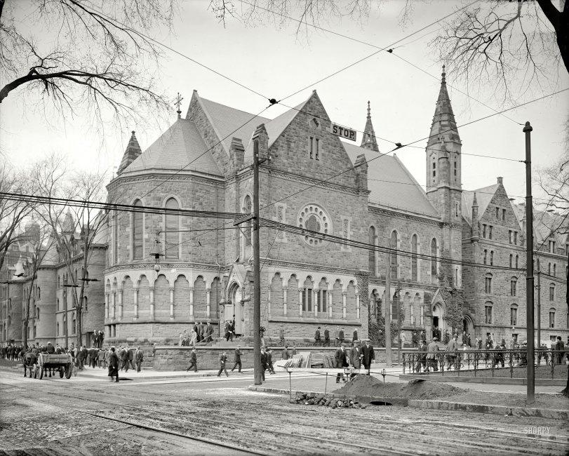 Campus Life: 1910
