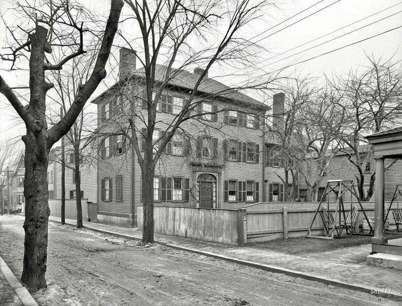 Multi-Story Dwelling: 1910