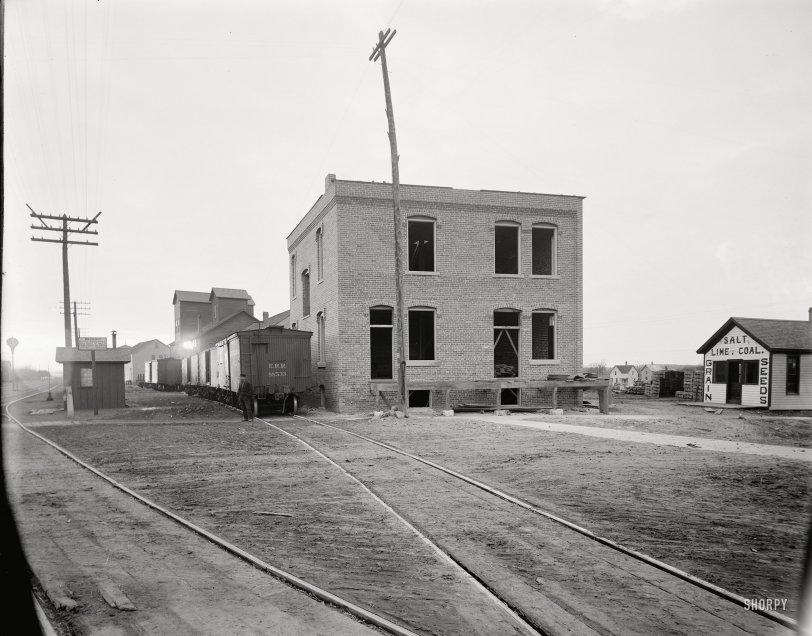 Bricks and Mortar: 1901