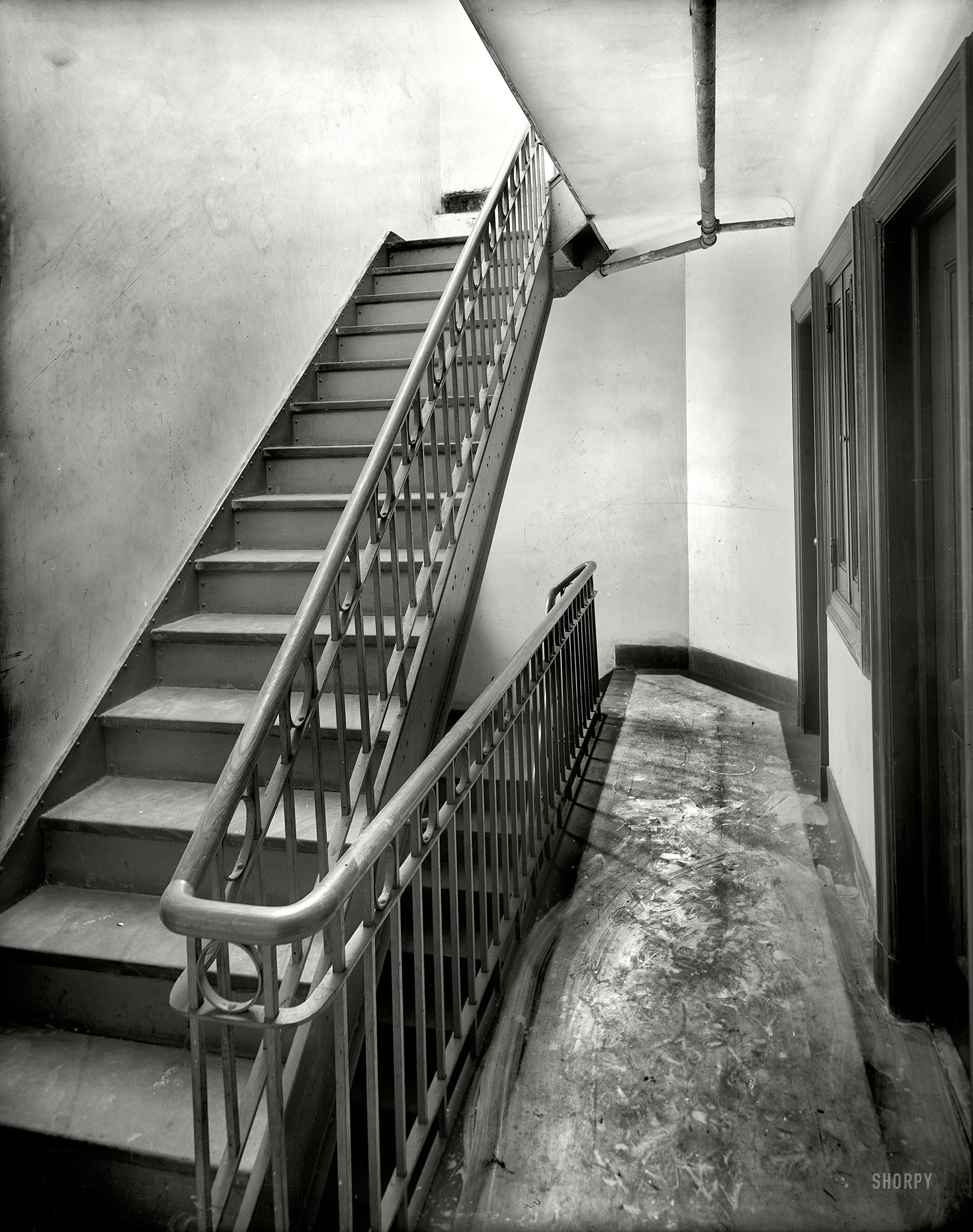 Shorpy Historic Picture Archive :: Tenement Stairs: 1905