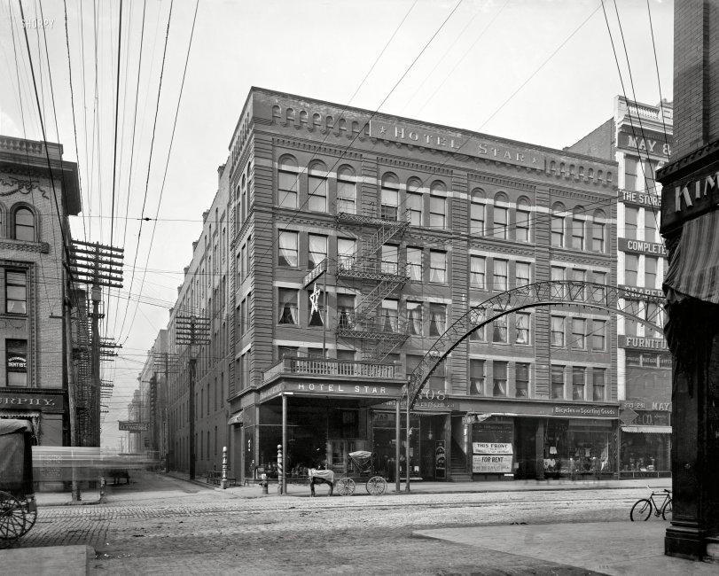 One Star Hotel: 1906