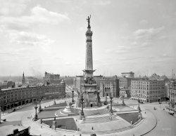 Monument Circle: 1907