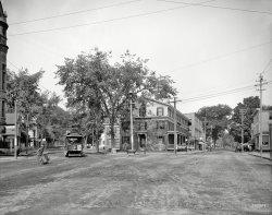 Pleasant and Main: 1907