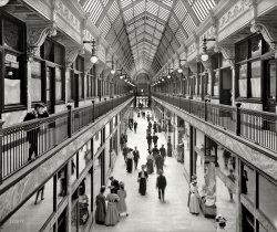 Waiting for Cinnabon: 1908