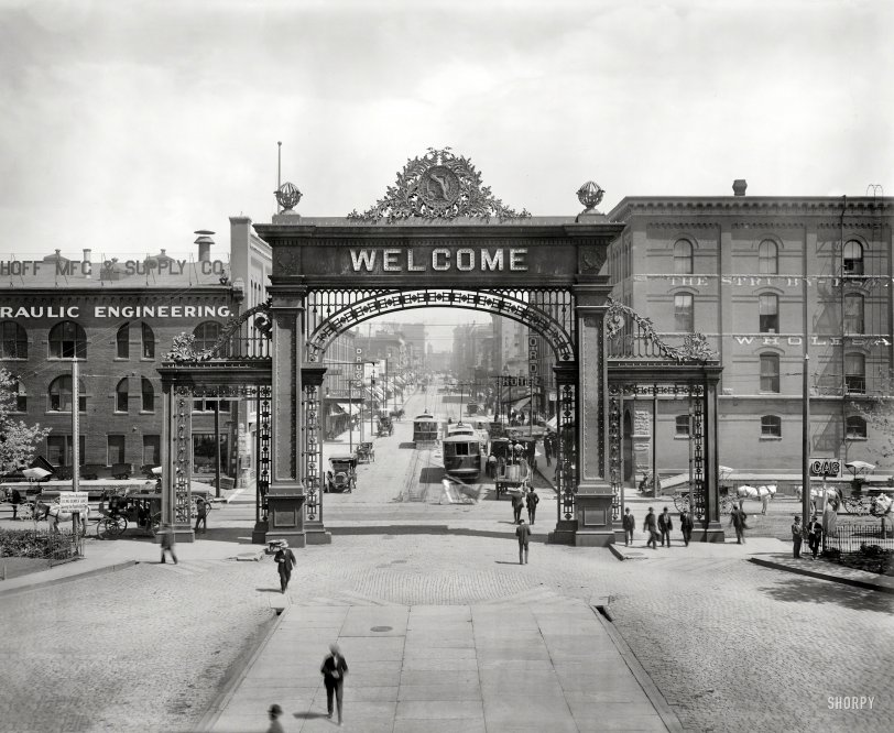 Mizpah Arch: 1908