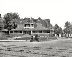 The Farm: 1905
