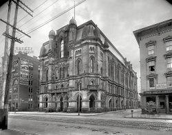 Municipal Gothic: 1908
