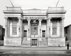 Glad-U-Kum: 1910