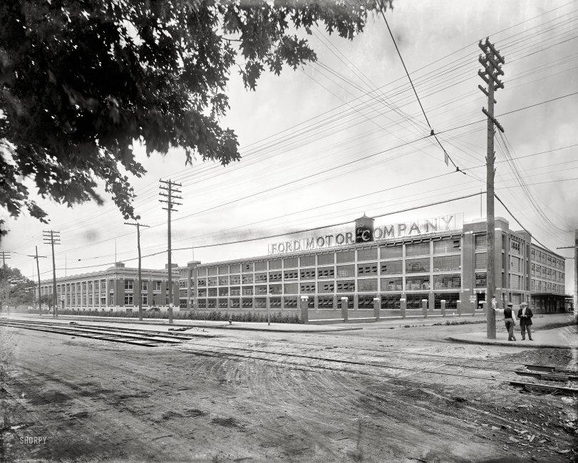Ford Motor Company: 1910