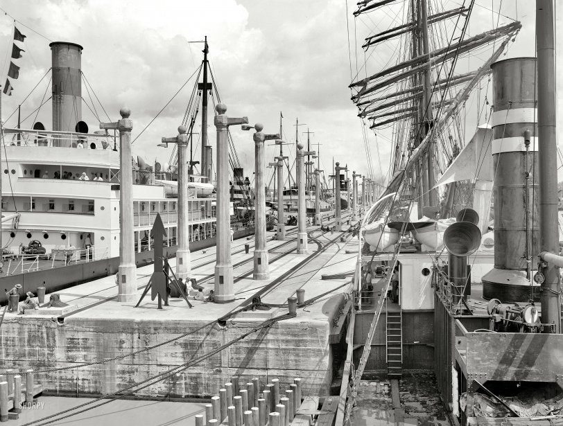 Panama Canal: 1915