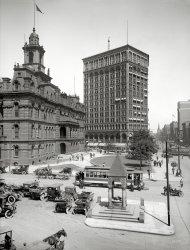 Bustling Detroit: 1912