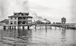 Tampa Pier: 1890s