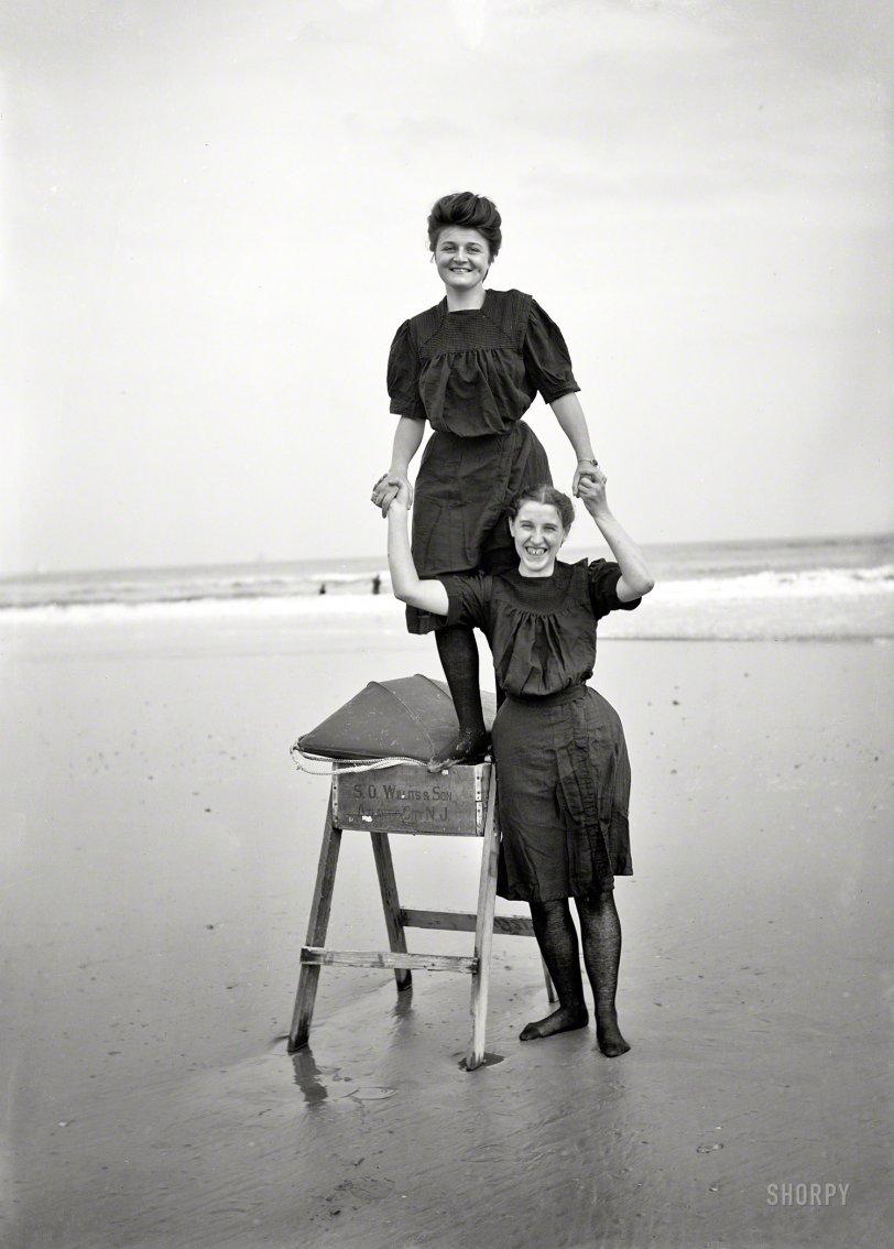 Bathing Beauties: 1905
