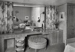 The Boudoir: 1940