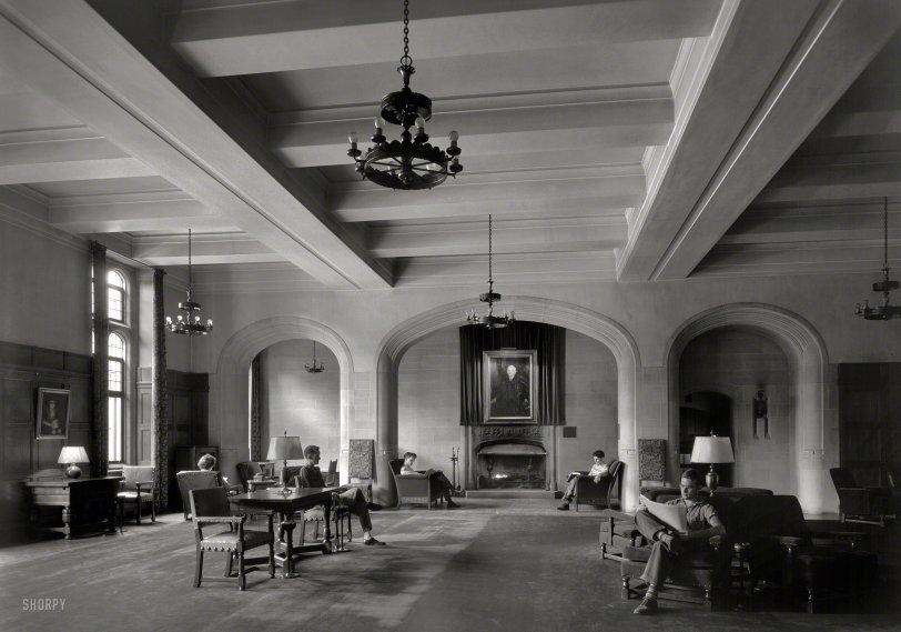 Halloween Hall: 1942