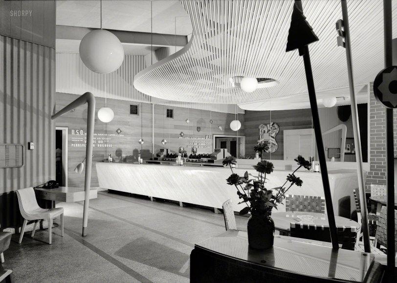 Mod Cafe: 1943