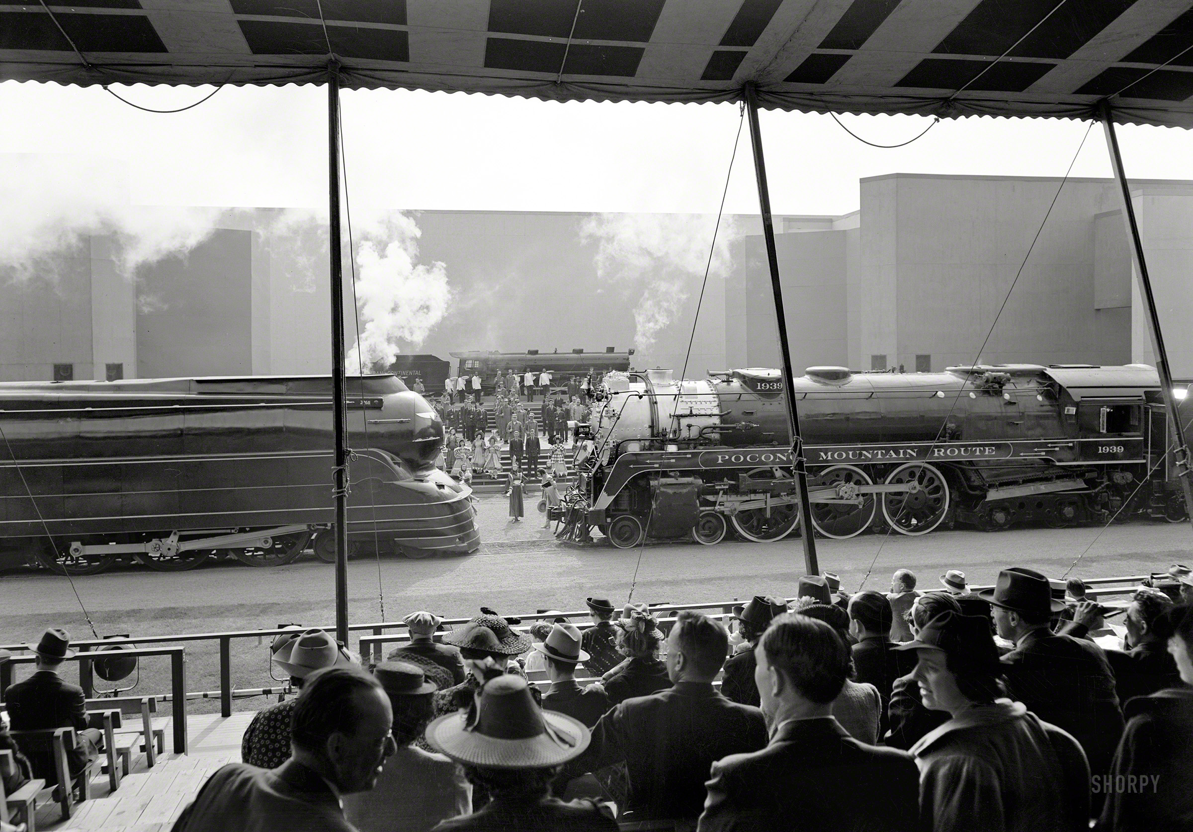 Shorpy Historic Picture Archive :: Railroad Pageant: 1939 ...
