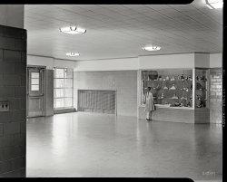 Hall of Dolls: 1952