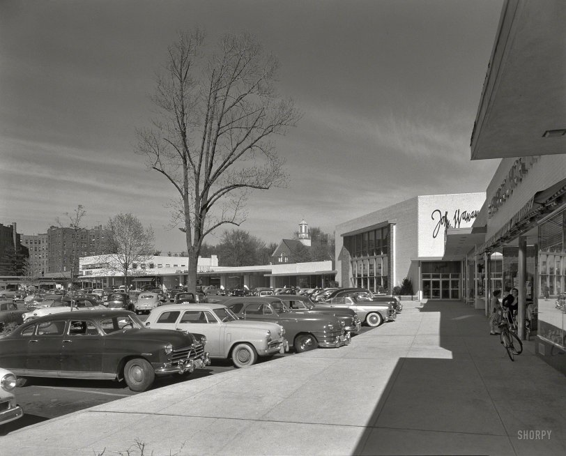The Shopping Center: 1952