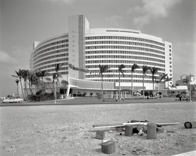 The Fontainebleau: 1955