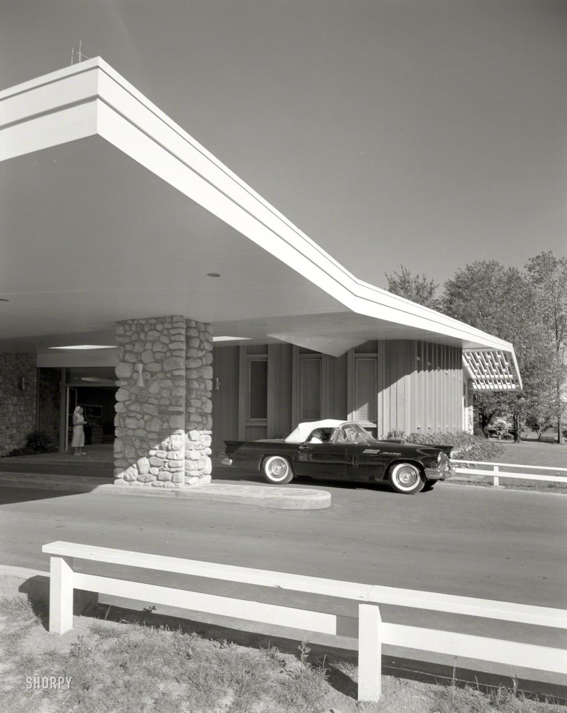 Thunderbird Lodge: 1957